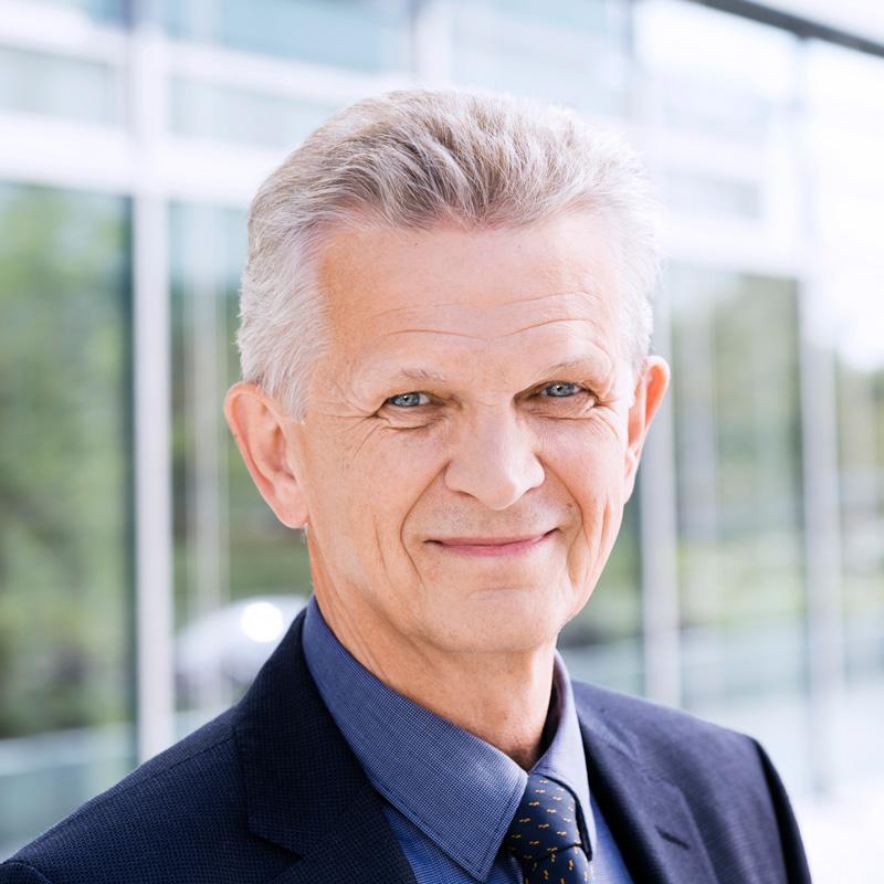 Dr. Bertram Kandziora